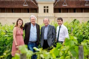 ©Angelus. De gauche à droite : Stéphanie de Boüard-Rivoal, Hubert de Boüard de Laforest, Jean-Bernard Grenié, Thierry Grenié-de Boüard
