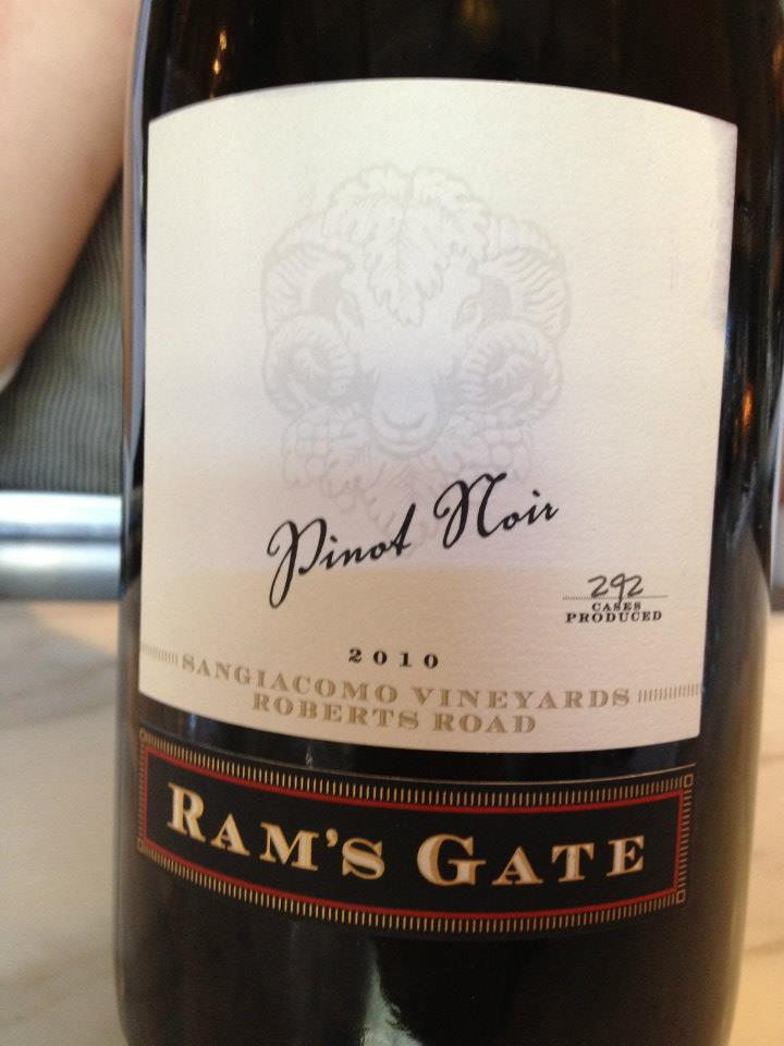 Ram's Gate Winery – Pinot Noir 2010 – Sangiacomo Vineyards – Sonoma