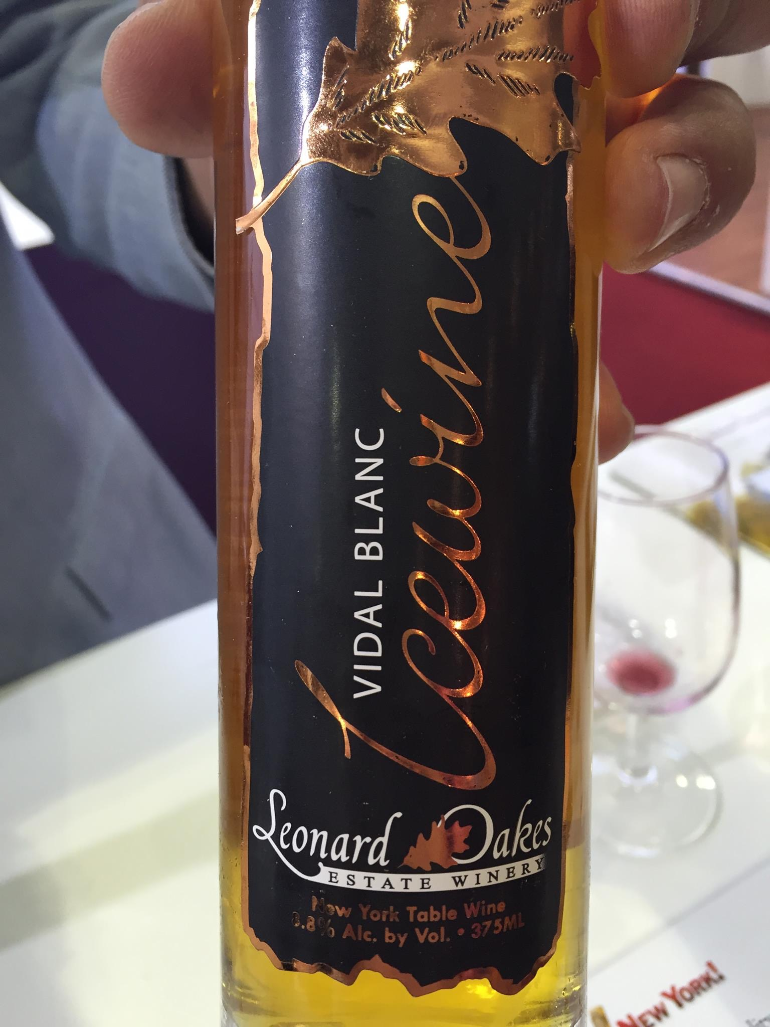 Leonard Oakes Estate Wines – Vidal Blanc Icewine 2011 – New York Table Wine