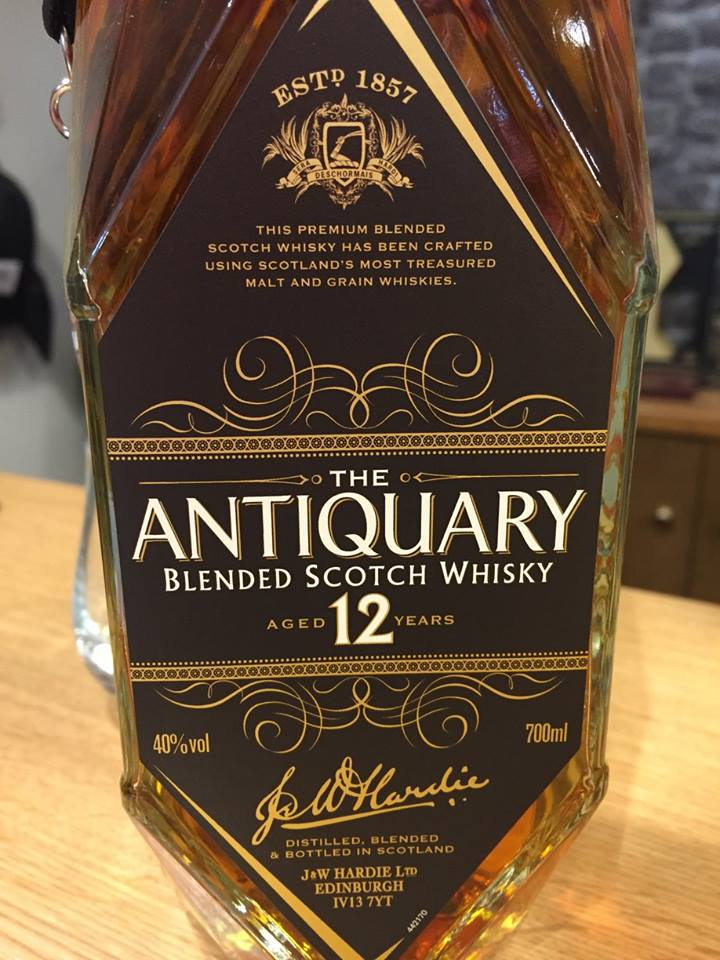 The Antiquary – Aged 12 Years – Blended Scotch Whisky